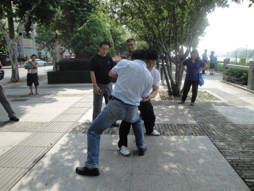 GM Chen Shi Hong beim Umsetzen von Taijiformen